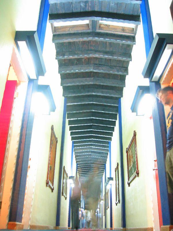 2004 05 28 Friday - Hotel San Nicholas hall