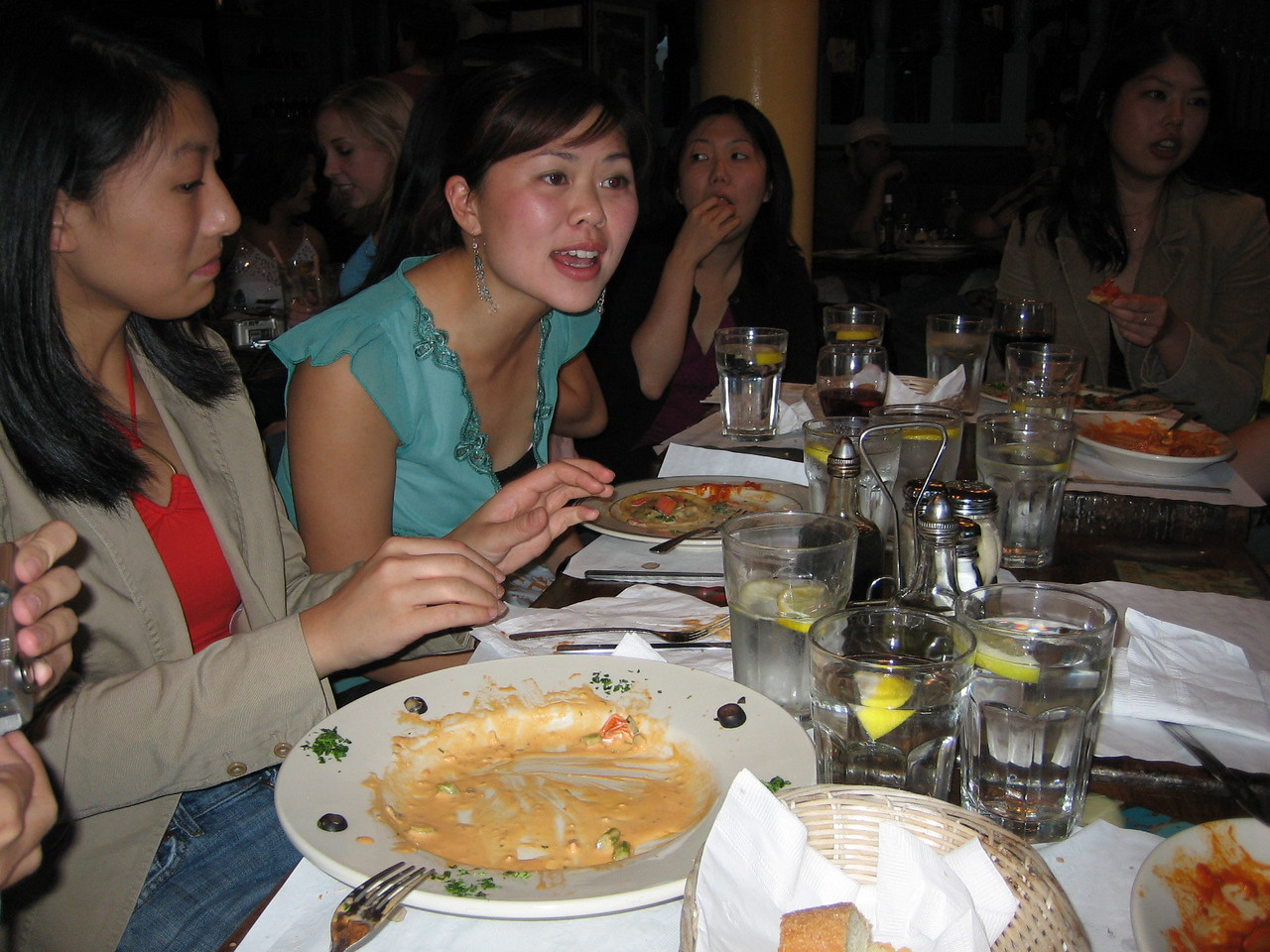 2005 06 04 Saturday - Debbie, Tiffany, & Lisa candid