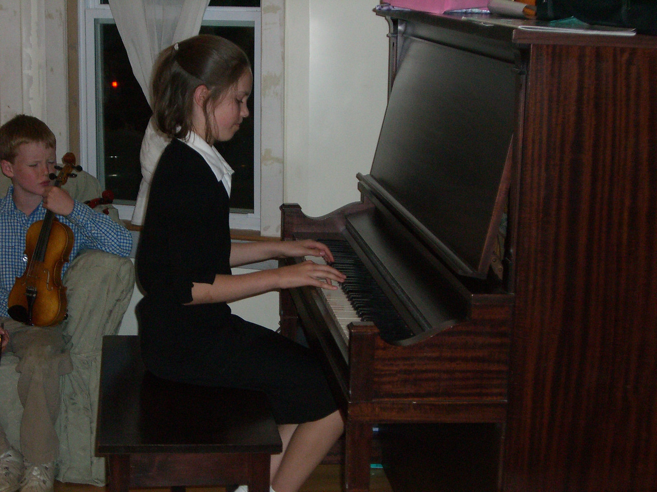 Sarah Tuma on piano