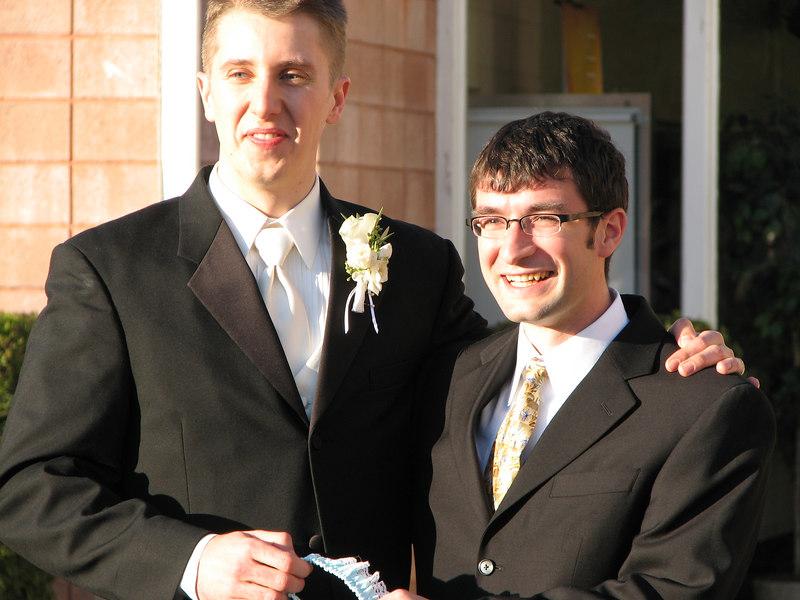 2006 11 25 Sat - Matt Onsum & garter toss winner