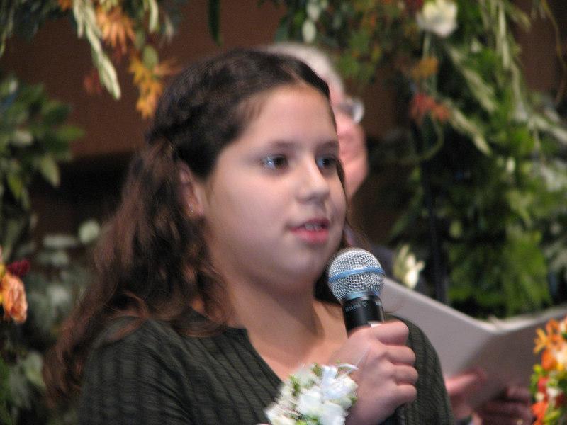 2006 11 25 Sat - Lisa Nelson's nephew & nieces recite Scripture 3