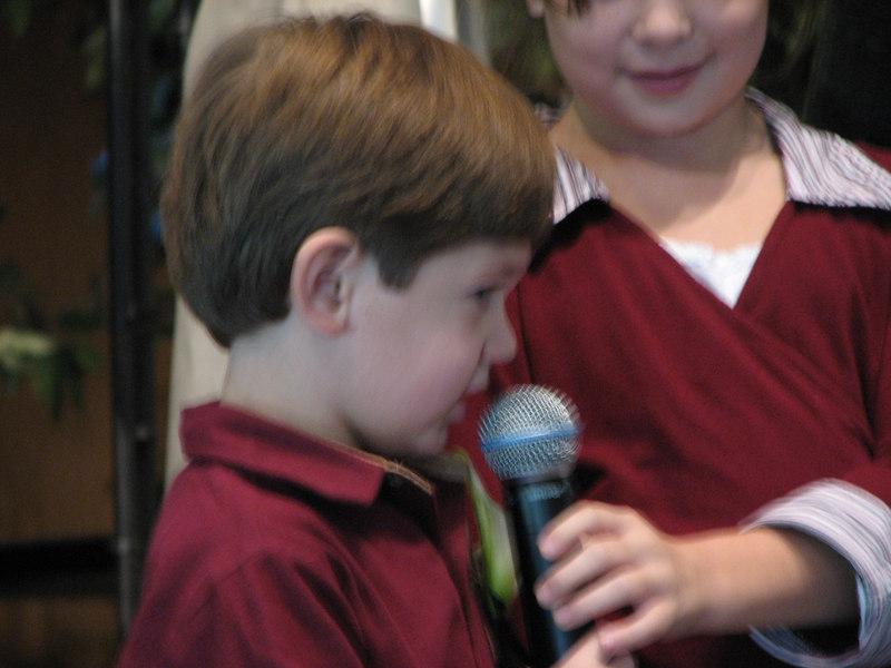 2006 11 25 Sat - Lisa Nelson's nephew & nieces recite Scripture 1