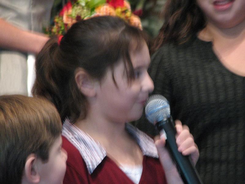 2006 11 25 Sat - Lisa Nelson's nephew & nieces recite Scripture 2