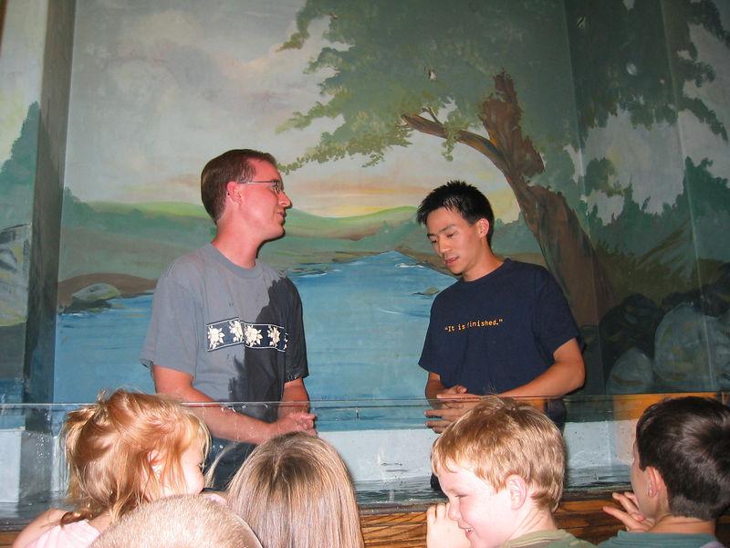 2003 10 05 Sun - Joe Fassler about to dunk Ben Yu