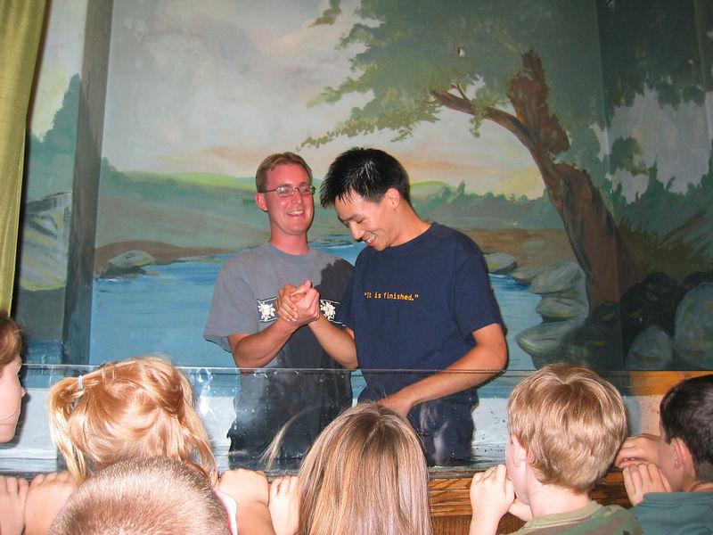 2003 10 05 Sun - Joe Fassler dunks Ben Yu