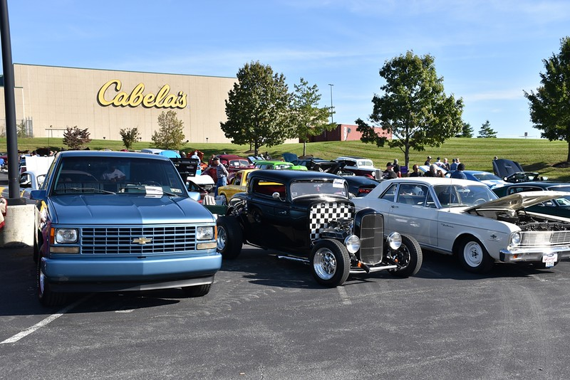 Mustang Car Club Fall Show JRCDailyLocal - Cabela's car show