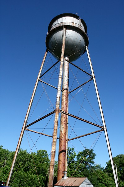 Photos: Crew dismantles Eshbach water tower