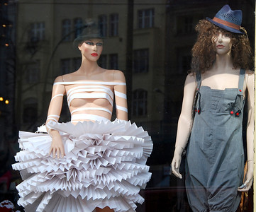 Kinky Hair, Kinky Dress, Berlin Storefront, 2010.