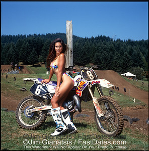 Jeff Emig Yamaha YZ125 with  LeeAnn Tweeden