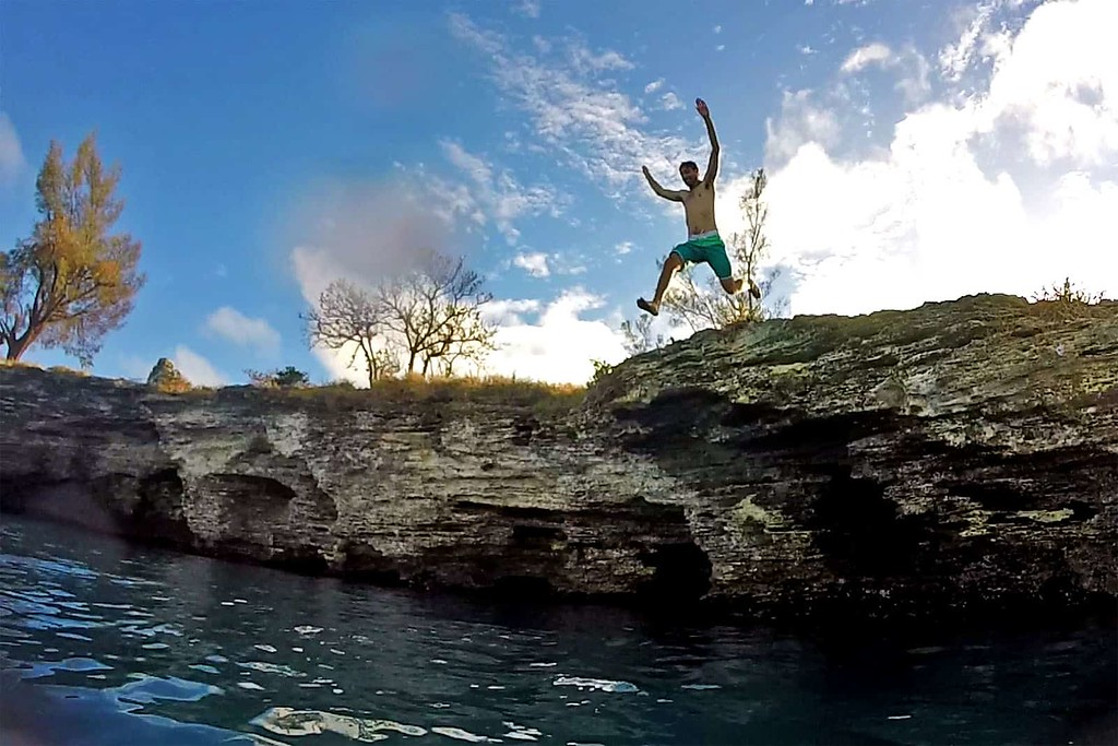 Cliff jumping in Bermuda with Hidden Gems of Bermuda