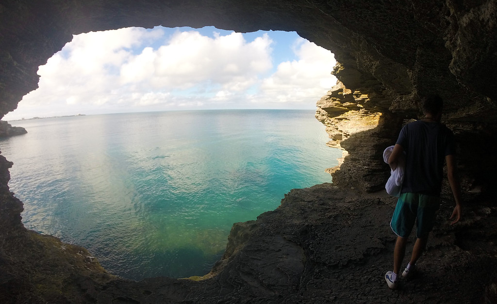 3 days in Bermuda - Admiralty House Park for cliff jumping and caves
