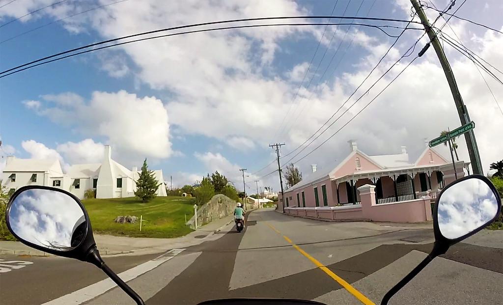 Bermuda moped rentals - Renting a scooter in Bermuda