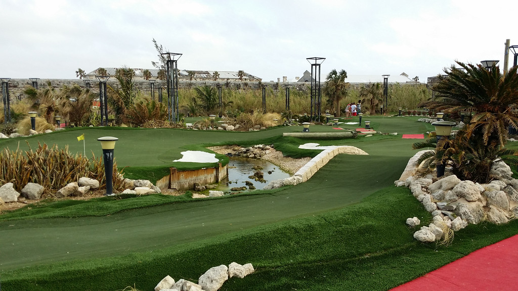 Mini golf course based off famous golf courses in Bermuda, USA, Scotland