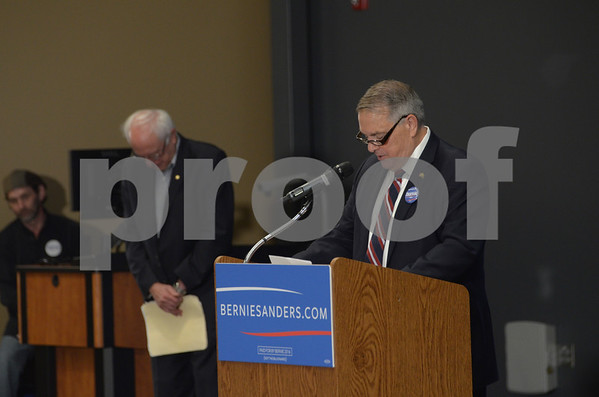 -Messenger photo by Jesse Major<br /> Former Sen. Daryl Beall, D-Fort Dodge, introduces Sen. Bernie Sanders, I-Vermont, during Sanders' town hall meeting in Fort Dodge Thursday.