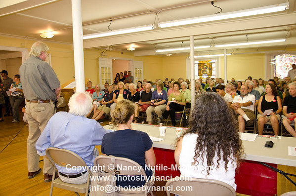 Breakfast with Bernie Sanders Masonic Temple Woodstock VT August 26, 2012 Copyright ©2012 Nancy Nutile-McMenemy www.photosbynanci.com For The Vermont Standard: http://www.thevermontstandard.com/ Image Galleries: http://thevermontstandard.smugmug.com/