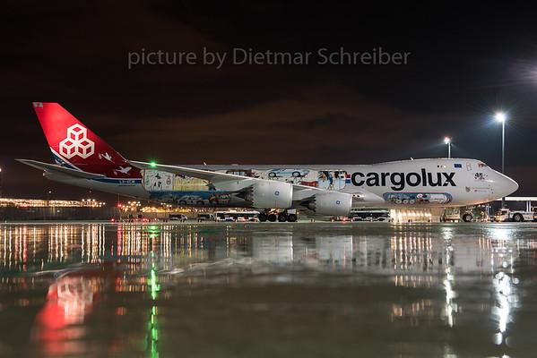 2015-10-17 LX-VCM Boeing 747-8 Cargolux