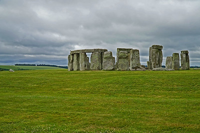 S 6/24  Stonehenge.  Salisbury Plain, southern England, 5000 years old.  First to arrive on the first bus from the Visitor Center.