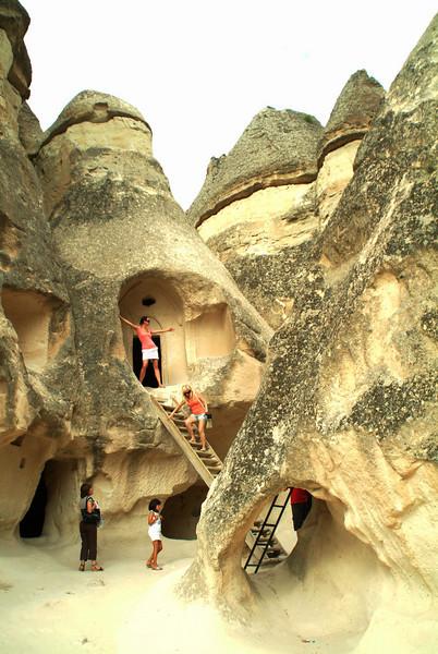 0407 - 2009-07 Turkey (Devrent Pasa Baglari chimneys)