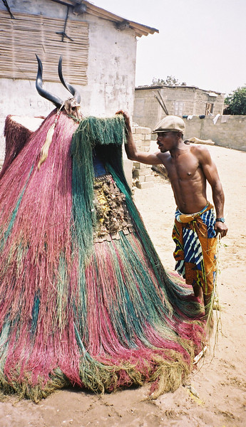 032 - 2000-04 - Benin
