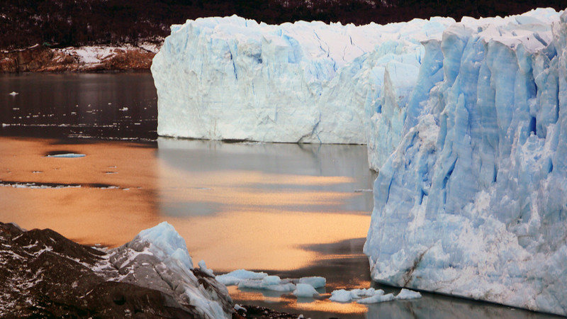 Sunrise at the Perito Moreno glacier at Los Glaciares national park in Patagonia, Argentina