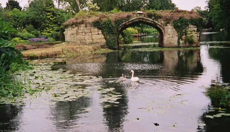 024 - 2002-06 - England Warwick Castle