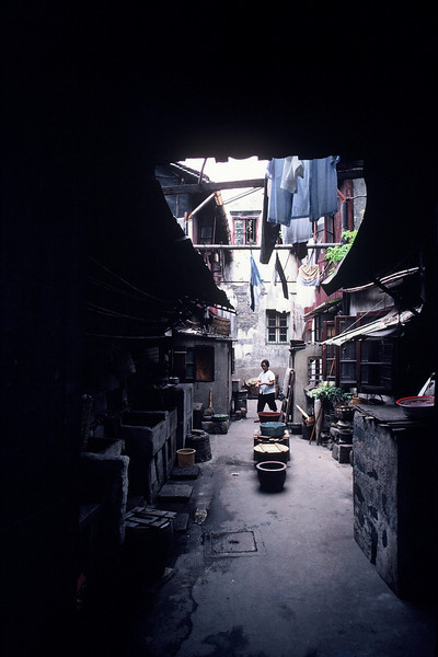 021 - 1986-08 - China Back Alley