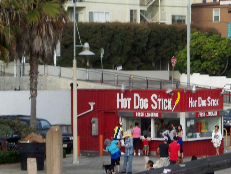 Santa Monica's Wolrd's Best Dog on a Stick! (California, USA)