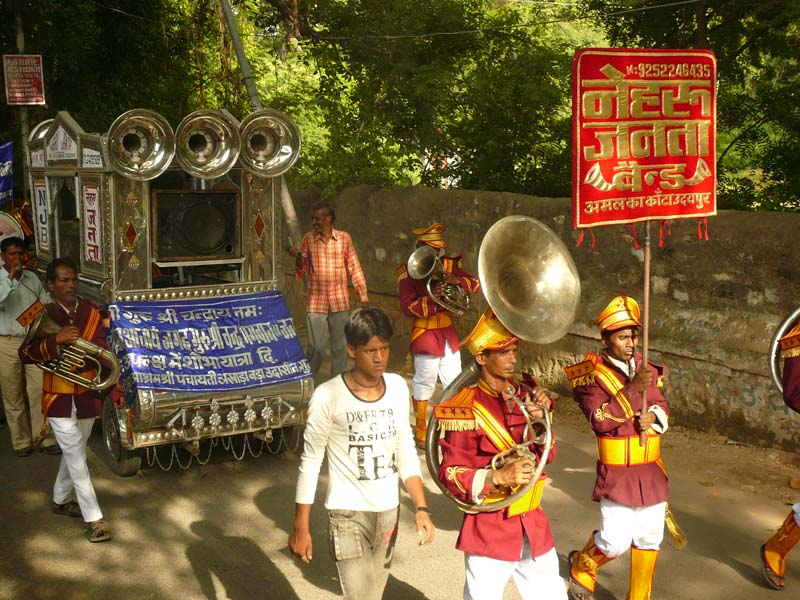A spontaneous parade in Udaipur, Rajastan India.