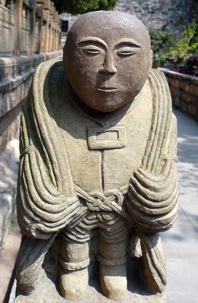 A friendly temple guardian in Kunming