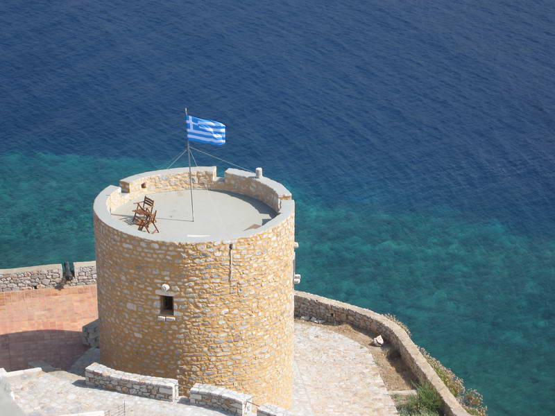 Our scenic hotel on the sea amongst the tower houses of the southern Peloponnese peninsulas