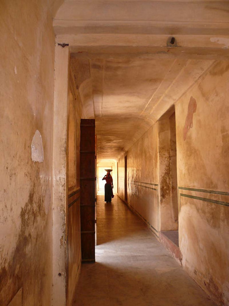 Corridor detail from the palace in Jaipur, Rajastan India.