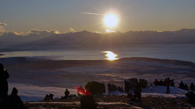 Waiting for the total solar eclipse of 11 July 2010, atop the Cerro Huyliche plateau, overlooking Lago Argentino in Patagonia, Argentina