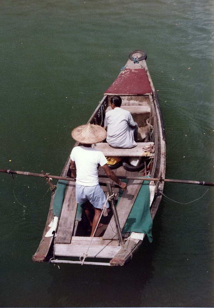Last of tbe bum boats in Singapore river before the clean up