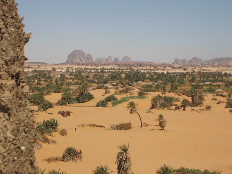 Idyllic landscape of the mountains lining the distant Djado plateau in Niger.