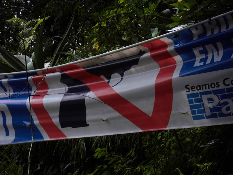 In El Salvador there are No Guns allowed in the Park!