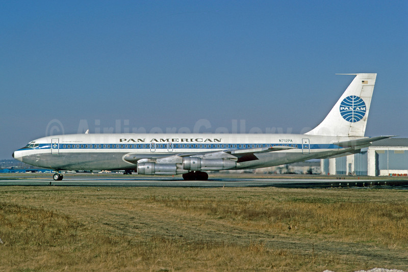 Pan American World Airways (Pan Am) (1st) Boeing 707-121B N712PA (msn 17591) PHL (Bruce Drum). Image: 102099.