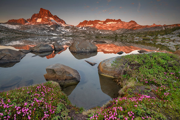 Sunrise on Thousand Island Lake with Banner and Ritter peaks in the background.