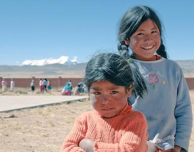 Girls. Alto Plano, Bolivia
