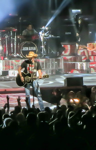 Thomas Rhett Jake Owen Jason Aldean 17 October 2013 -008