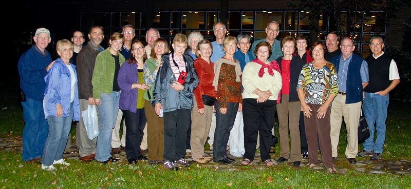 Group picture behind our hotel in Plitvice Lakes National Park. From left to right: Rich, Linda, Peter, Dave, Barb, Harry Natalie, Gordon, Gwen, Susan, Nancy Jo Ann, Tom, Lynda, Anna, Marilyn, Dave, Judy, Lynne, Sue, Keven, Al, Ken and Gareth (behind the carmera). Missing are Jane, Marijan, Ann and Court.