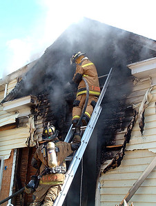 2005-02-19-house-fire-day-rfd68