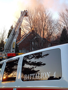 2004-12-17-olde-raleigh-house-fire186