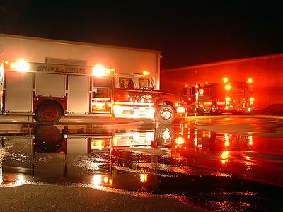 2005-01-25-ral-car-fire-ral-blvd207