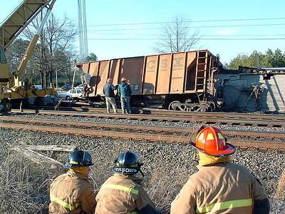 2005-03-09-rfd-train-derails10