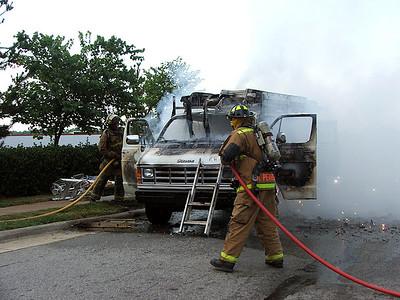 2005-07-15-e11-van-fire7415