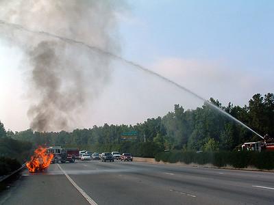 2004-07-12-eng9-car-fire-beltline66