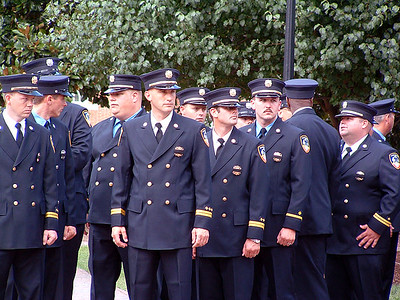 2004-08-01-wffd-funeral144