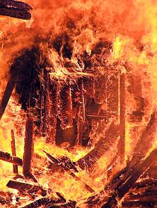 2005-05-07-rfd-live-burn4888