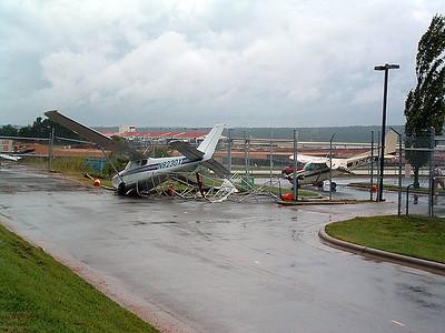 2004-09-17-rdu-high-winds25