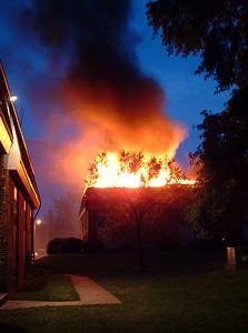 2004-06-11-rfd-calumet-fire57